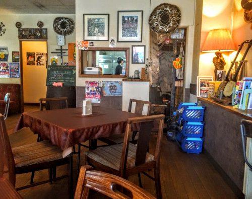 先代が残してくれた味を継続してくれるので、沖縄で1番と言われるタコス屋として人気店となっているのでしょう。