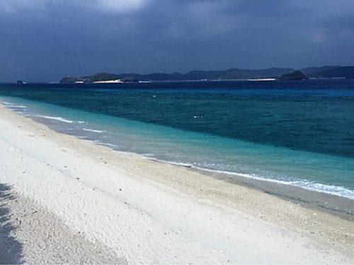 白浜が続くビーチ