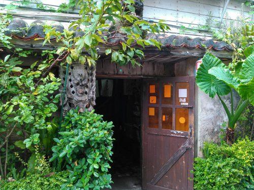 泡盛といえば古酒の番人、故土屋正實氏のうりずんは栄町市場