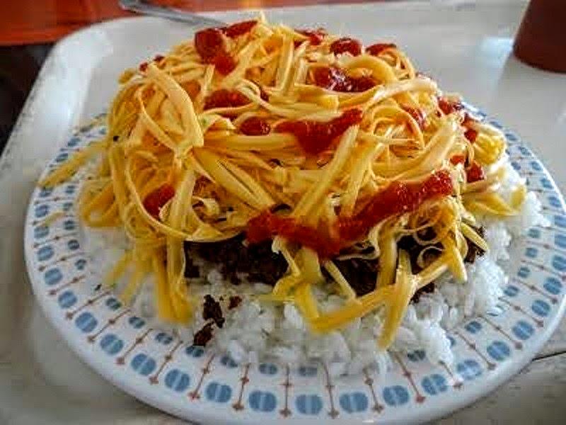 色々なトッピングでチーズをのせたり、お好みの味にできます。