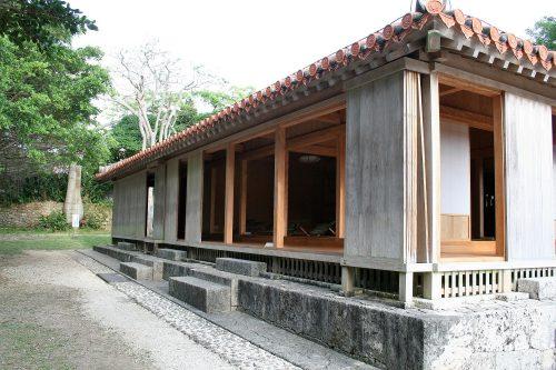 世界遺産「玉陵」は国宝に答申された第二尚氏王統の陵墓東の御番所