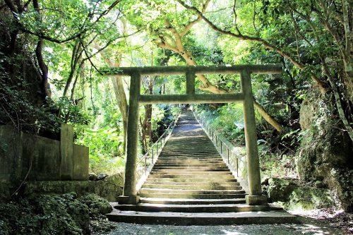 浜比嘉島のシルミチュー霊場