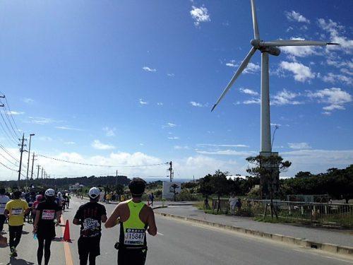 暑い中走る那覇マラソン