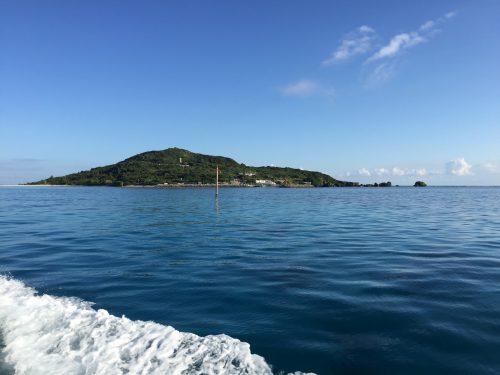 宮古島の北、神が住む島大神島