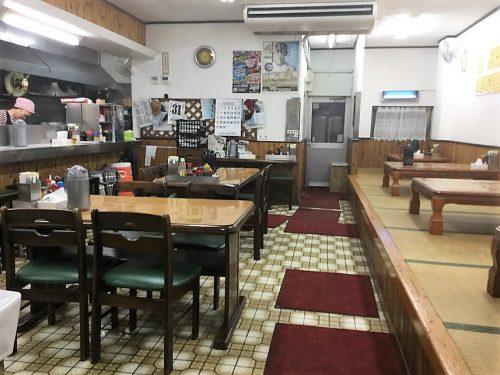 那覇市やんばる食堂の店内です。24時間営業中!