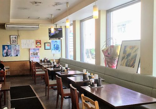 那覇の食堂ルビーは軽食の店