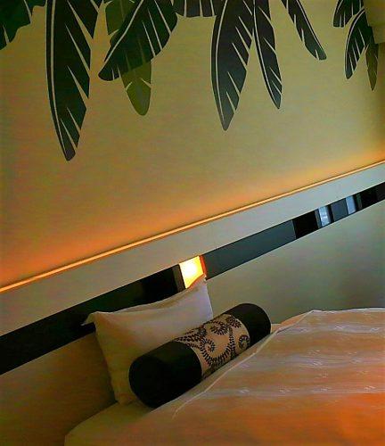 喜瀬ビーチパレスのベット枕元