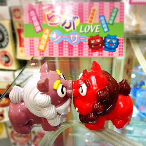 旅行の最後に、思わず購入したくなる那覇空港のお土産雑貨。沖縄と言えばシーサー。シーサー関連の商品は、人気です。