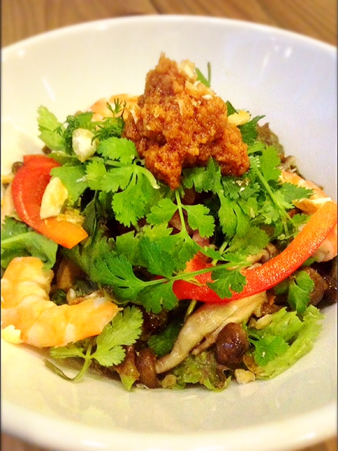 麺が見えないほど野菜たっぷりパスタ、壺屋のkitchen33