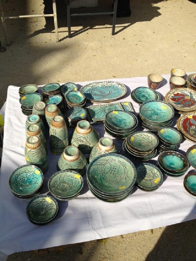 第38回壺屋陶器祭り開催!カーミスーブが盛り上がる、ブルーのやちむん