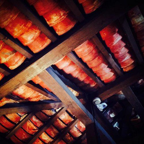 沖縄が好きになる居酒屋「沖縄食堂じまんや」天井