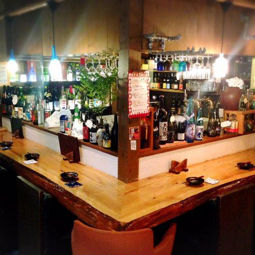 沖縄が好きになる居酒屋「沖縄食堂じまんや」カウンター