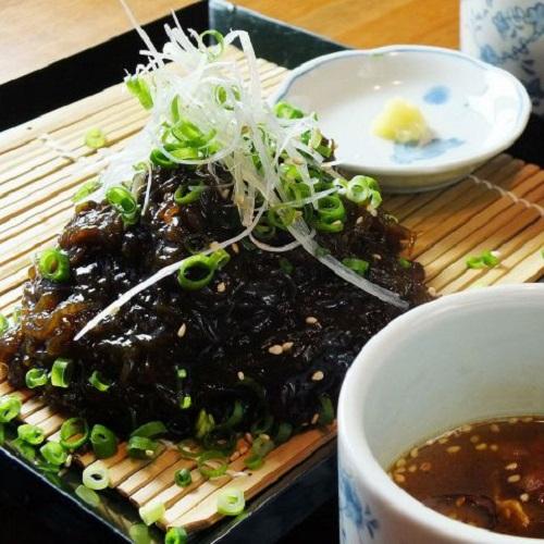 沖縄が好きになる居酒屋「沖縄食堂じまんや」つけもずく