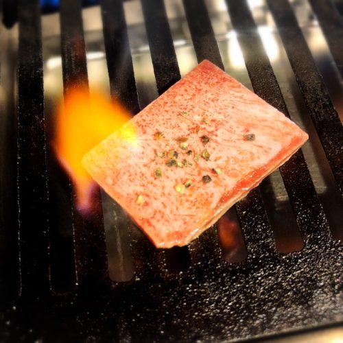 沖縄初ひとり焼肉牛助