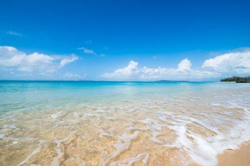 キャロットアイランド津堅島で海上アスレチックも楽しみです。