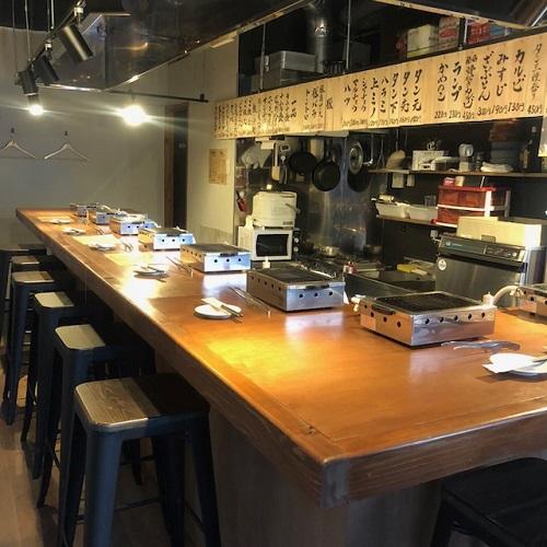 沖縄初ひとり焼肉牛助のカウンター