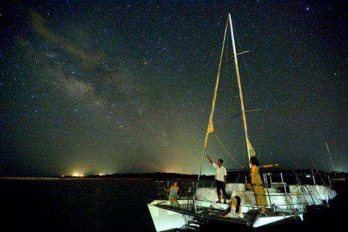 ティンガーラクルーズで星空保護区認定の石垣島で星観察