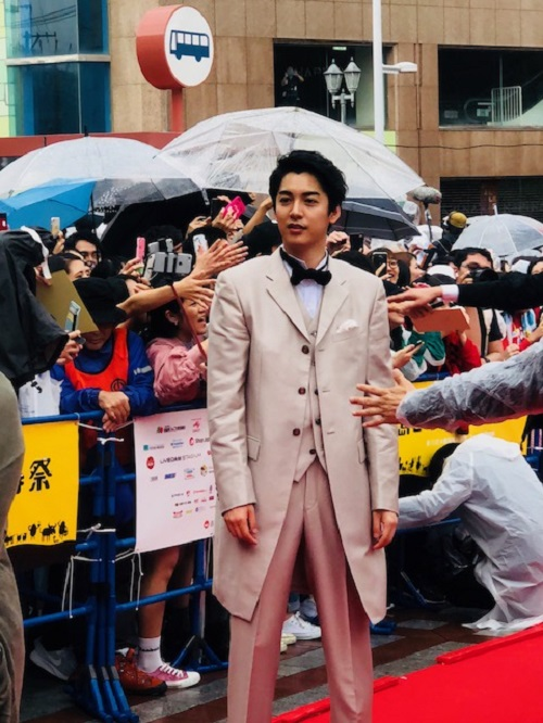 島ぜんぶでおーきな祭沖縄国際映画祭レッドカーペット大野拓朗さん