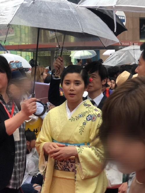 島ぜんぶでおーきな祭沖縄国際映画祭レッドカーペット石田ひかりさん
