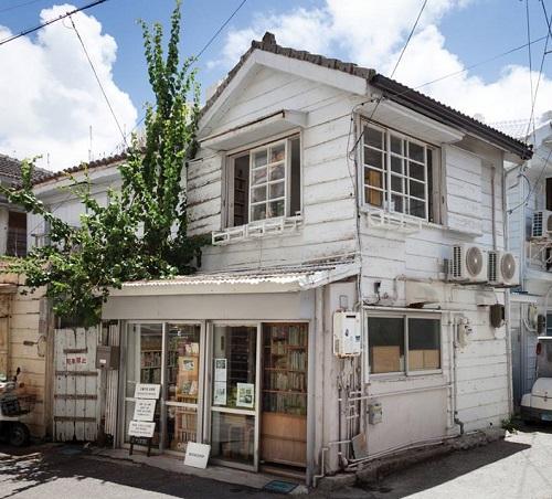 沖縄旅の途中に立ち寄って欲しい古本屋5選言事堂