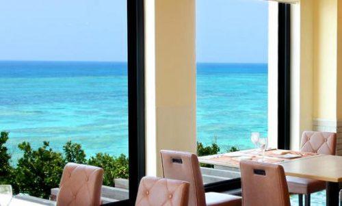 朝食会場がとっても素敵な沖縄本島のホテル日航アリビラ