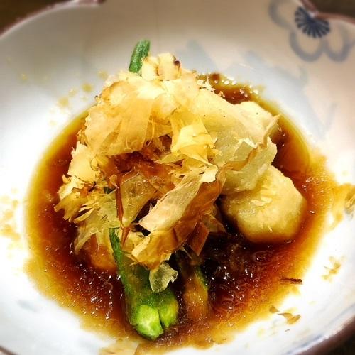鮮牧志公設市場の裏にある魚がウマい旬鮮居食屋 「知花冷凍食品」