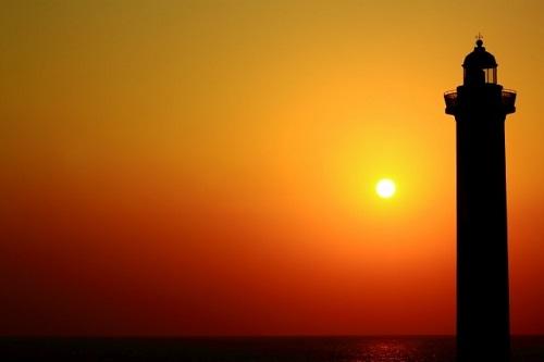 沖縄本島で感動的な夕日が観れるスポット7選の残波岬