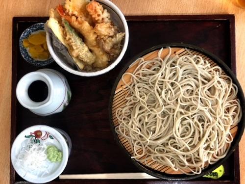 沖縄の日本そば店「たから」、沖縄県産野菜を使った天ざる