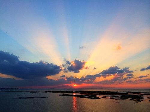 沖縄本島で感動的な夕日が観れるスポット7選のサンセットビーチ