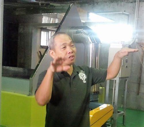 那覇・津波古酒造場の「泡盛太平感謝祭」で熱く語る大城杜氏