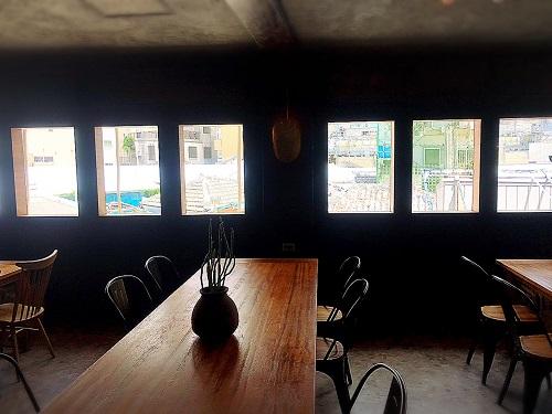 沖縄マチグァーからクラフトビール「浮島ブルーイング」の店内