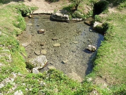 沖縄南部の隠れたパワースポット「垣花樋川(カキノハナヒージャー)