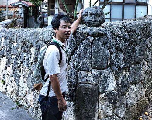 那覇・壺屋を「おきなわスローツアー」ゆったりまち歩きでみつけた石厳當