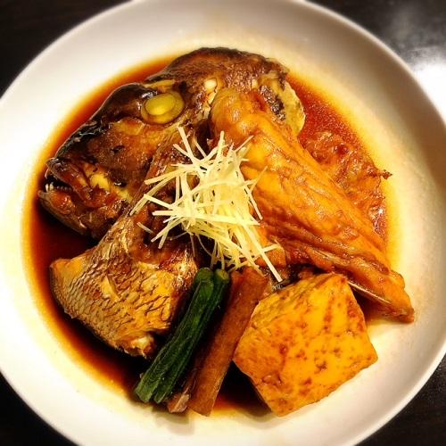 浦添市の「蕎麦と肴処 和ノ実」で、蕎麦前鯛のあら煮