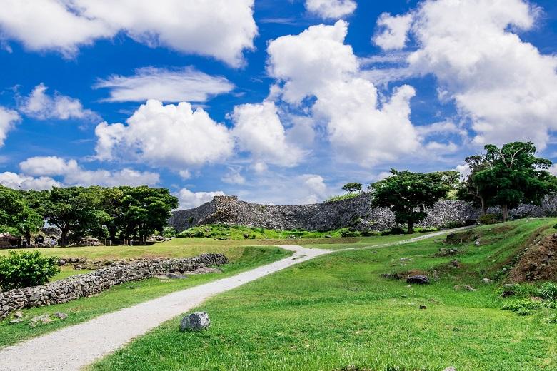 世界遺産「今帰仁城」は城から御嶽へ。
