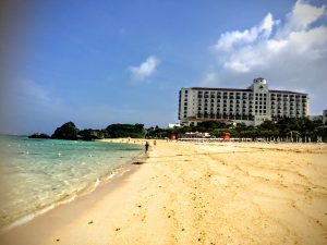 日航アリビラに隣接する天然ビーチ(ニライビーチ)がオススメ!