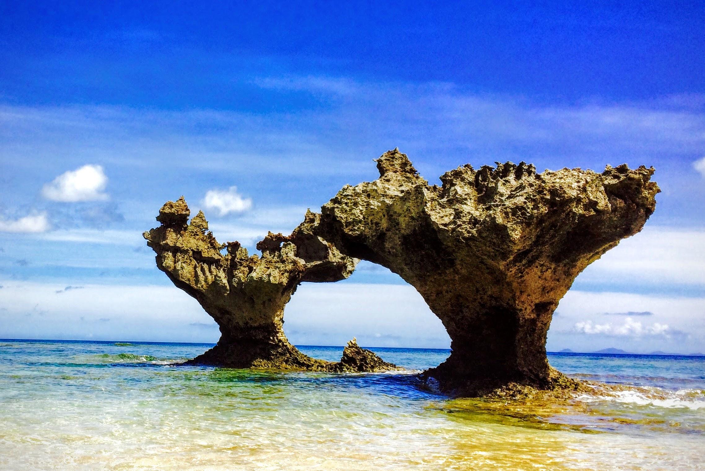 古宇利島とハートロックは人気№1の恋の島!