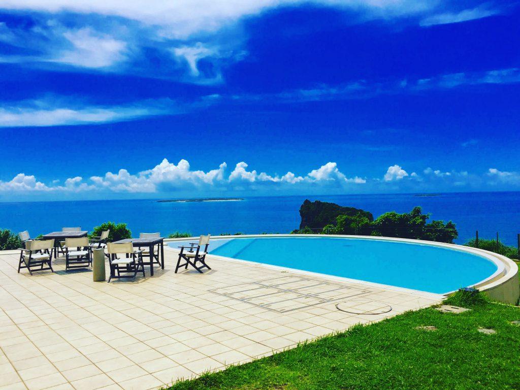 ホテル浜比嘉リゾートのプール