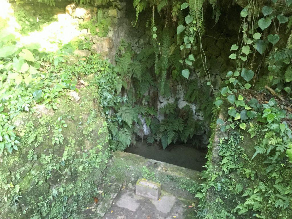 中城のウフガー、大井戸