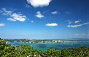 ワルミ大橋・古宇利島を望む、超穴場「嵐山展望台」