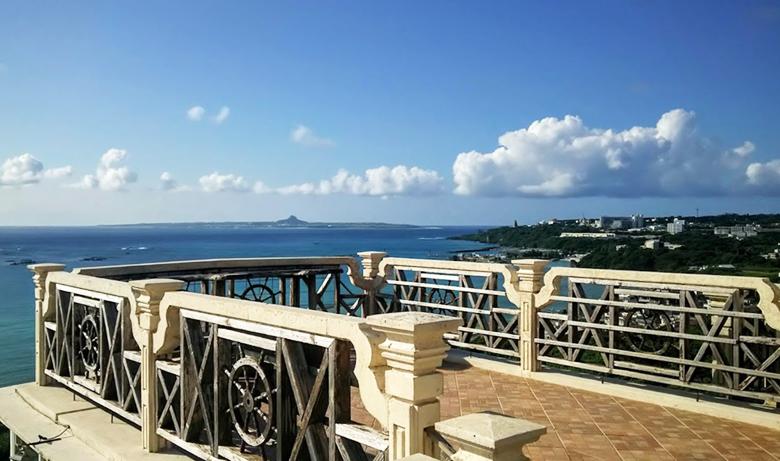 本部町の絶景カフェは沖縄・夏の風物詩!?「アイスクリンcafeアーク」
