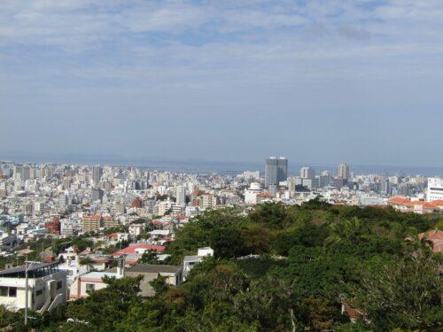 「首里城 西のアザナ」那覇から慶良間諸島まで一望できる絶景ポイント