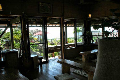 沖縄絶景海カフェの亜熱帯茶屋の店内