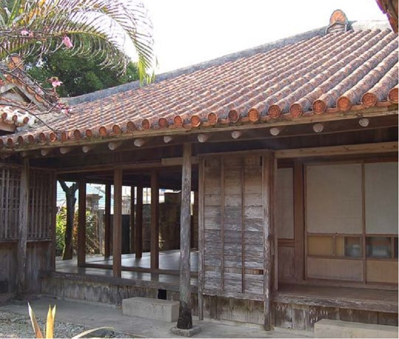 重要文化財の津嘉山酒造所、戦後は米軍宿舎だった!
