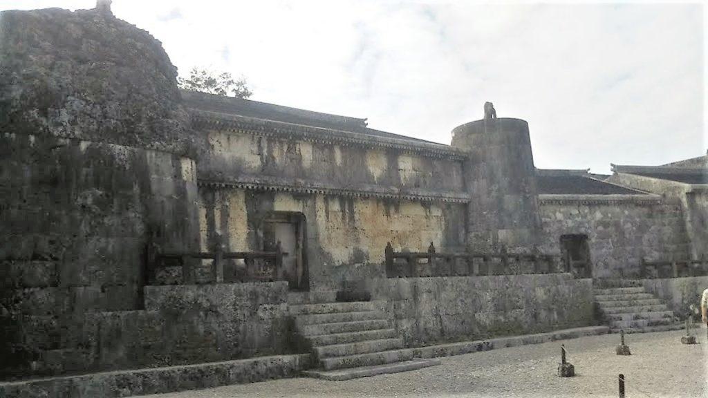 世界遺産「玉陵」は国宝に答申された第二尚氏王統の陵墓の東室