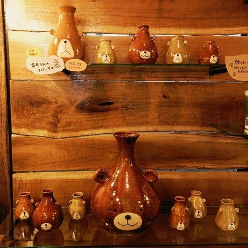 那覇市壺屋やちむん通りのオシャレな陶器店「ヤッチとムーン」はクマさんが可愛い