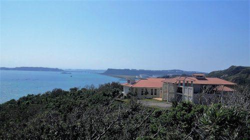 嘉風バンタから見るぬちまーす、浜比嘉島