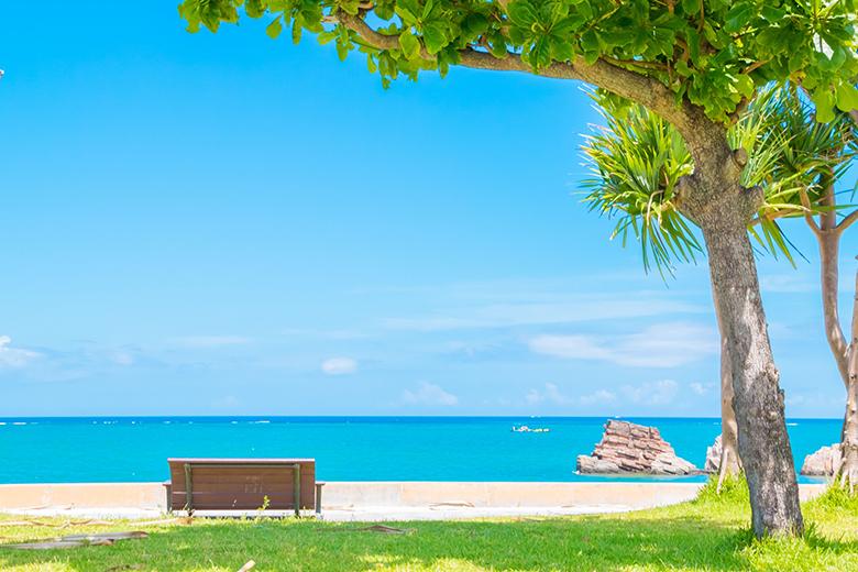 今すぐ行きたくなる沖縄、南国気分を味わう海のアルバム