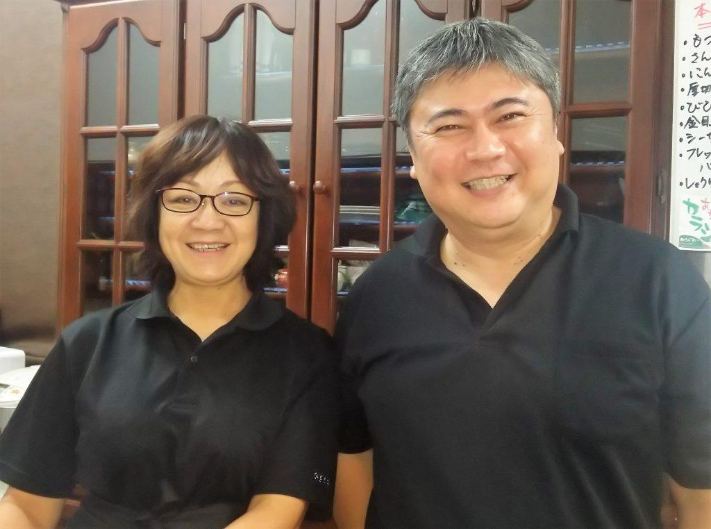 山入端ご夫妻が笑顔で迎えてくれるひざくら名護で飲むならココ!おすすめ飲食店5選