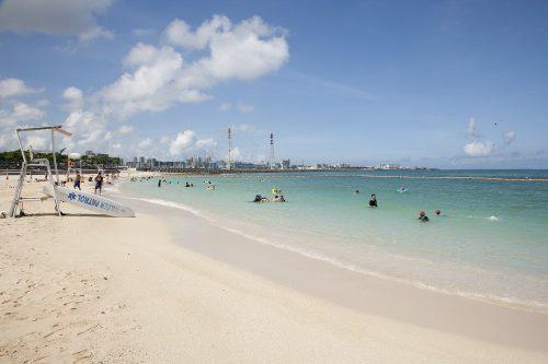 トロピカルビーチは美しくおすすめビーチです。
